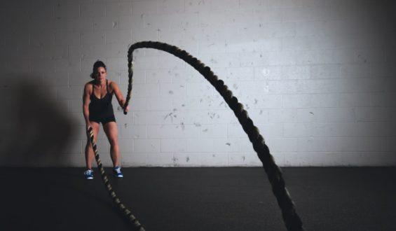 Czy można łączyć spalacze tłuszczu i kreatynę?